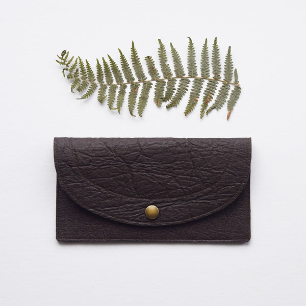 Handcrafted vegan leather purse made in Belgium by Grey Whale.