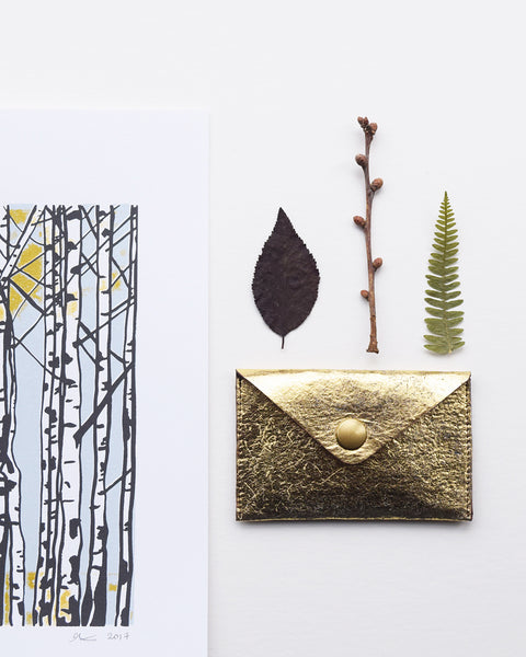 Handcrafted vegan leather gold card holder made in Belgium by Grey Whale.