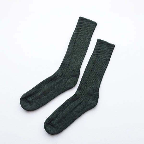 These soft and cosy Alpaca socks in moss are perfect for wearing inside your walking boots or wellies! They have a cushion sole for extra comfort and they are breathable to resist moisture. These socks have been made in Nottinghamshire by one of the oldest sock manufacturers in the UK using traditional techniques.