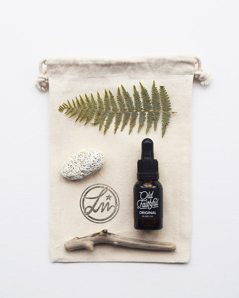 The Original beard oil by Old Faithful is a 100% natural and hand blended in small batches, which feels like bringing the distilled scent of the woods directly to your face. It conditions your skin and makes your beard smoother, look tighter and improve appearance.