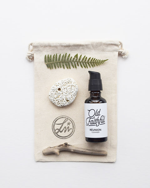 Réunion Cleanser by Old Faithful is a 100% natural therapeutic daily ritual with oils. It is hand blended in small batches, and softens, balances, cleanses and heals your skin.