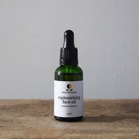 This organic Replenishing Face Oil by miss bees balms is handmade individually in small batches using only the finest cold pressed oils and floral, herbaceous and spicy aromatics, this face oil revives tired and lacklustre, dry and dehydrated skin.