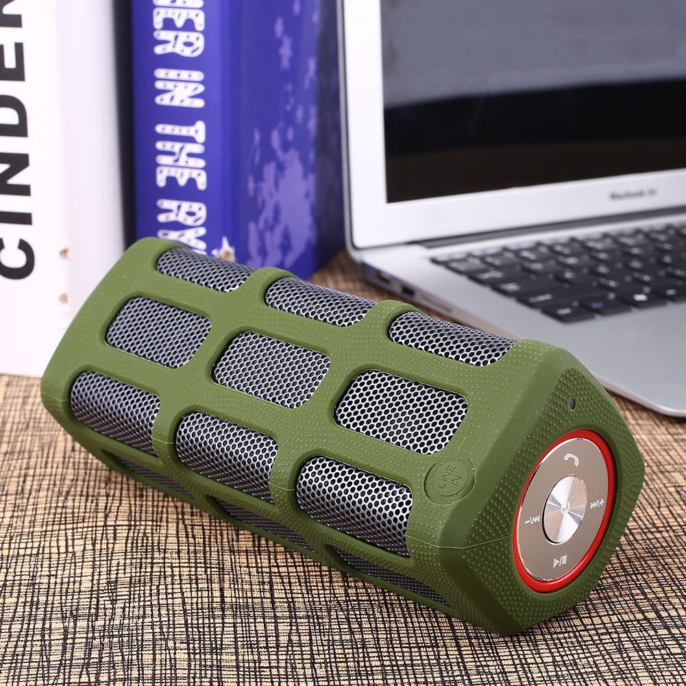 S7720 Outdoor Bluetooth Waterproof Music Speaker AUX Connection Portable