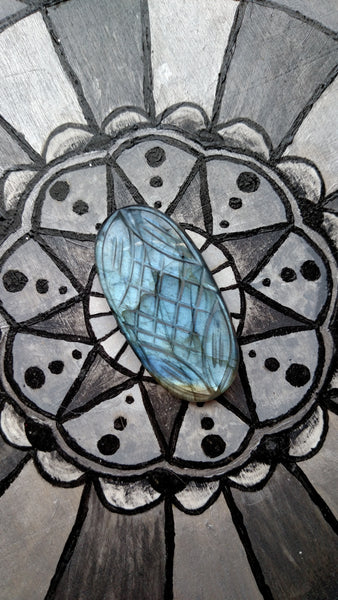 Oval blue/grey labradorite etched cabochon