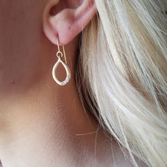 Slinky Link Earrings - 18K Green Gold