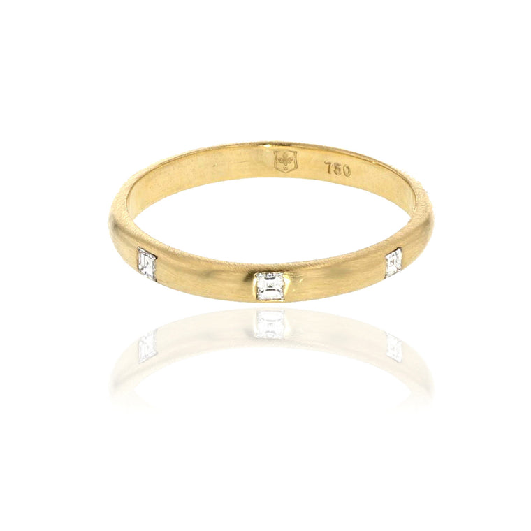 2 MM Band with Carre Diamonds 18K yellow Gold
