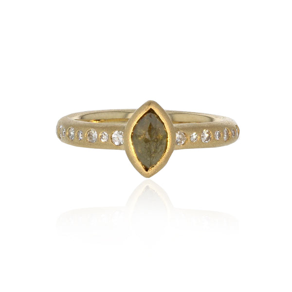 Marquis Ring in - 18k Yellow Gold