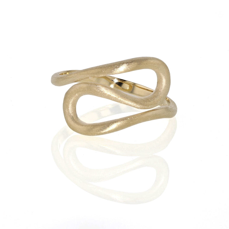 Figure 8 Ring  - 18K Yellow Gold