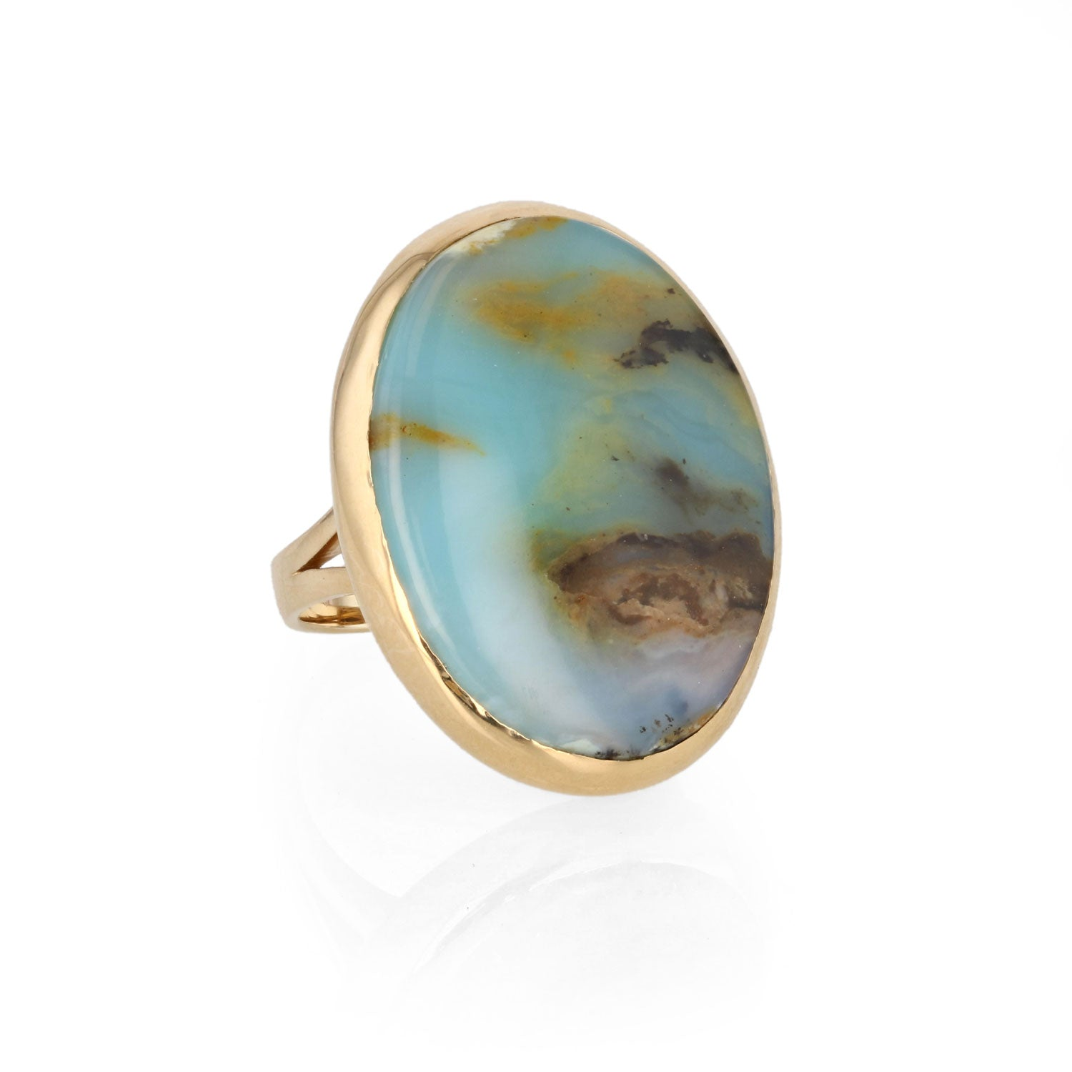 Peruvian opal set in 18K yellow Gold