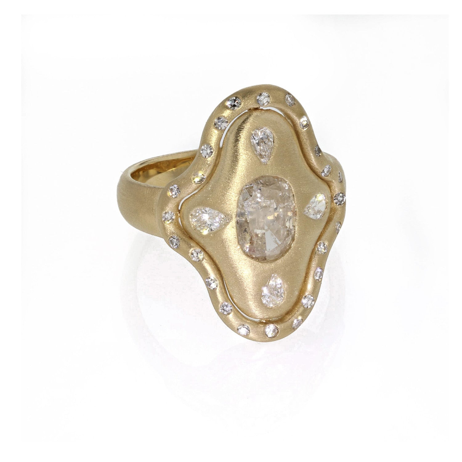 Shield Ring with white Diamonds - 18K yellow gold