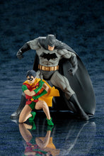 DC Comics Official Batman & Robin ARTFX+ Statues by Kotobukiya