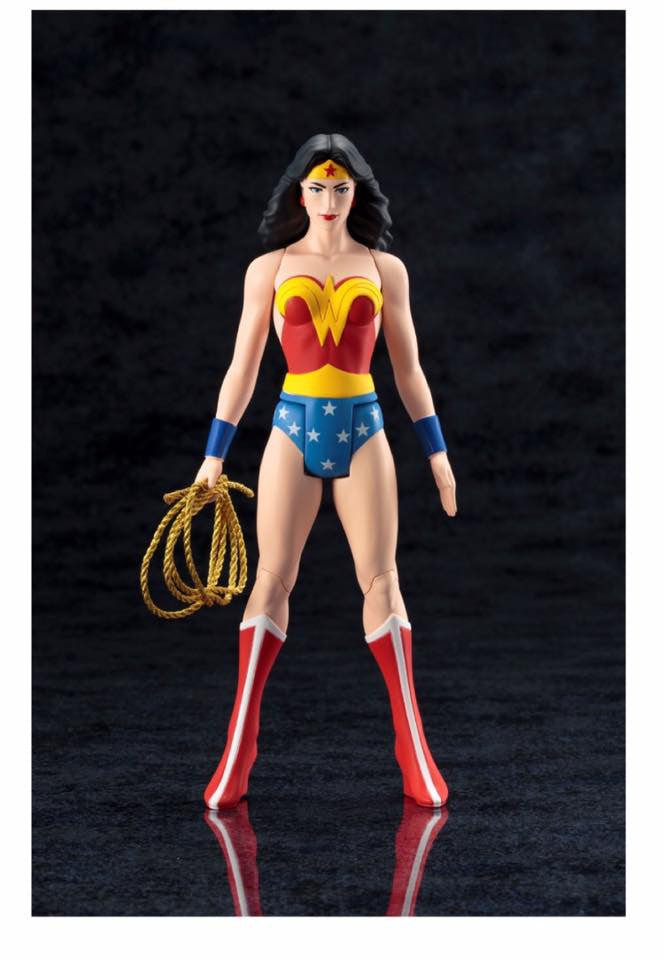 DC Comics Official Wonder Woman Classic ARTFX+ Figure By Kotobukiya