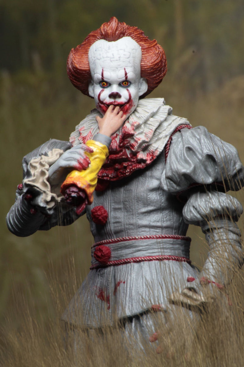 "IT Official Pennywise ""I Love Derry"" Vers. (2017) Ultimate Figure NECA"