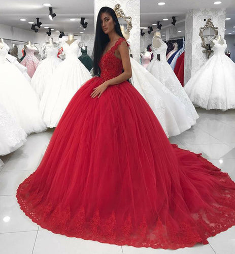 Gorgeous Ball Gown Red Tulle Wedding Dress with Lace Appliques