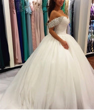 Off the Shoulder Ball Gown White Women Wedding Dress with Petticoat