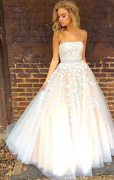 Strapless Floor Length A-line Tulle Prom Dress Lace Appliques