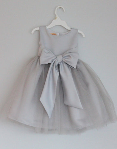 Scoop neck Lovely Gray Tulle Flower Girl Dress with Bow Tie
