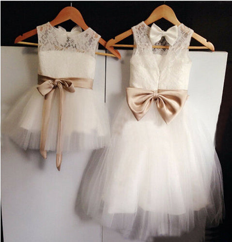Lovely Short White Lace Tulle Flower Girl Dresses with Bow Tie