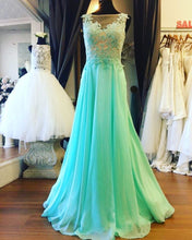 Scoop Neck A-line Long Green Chiffon Prom Dress Lace Appliques