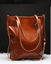 LUXURIOUS SHOULDER BAG