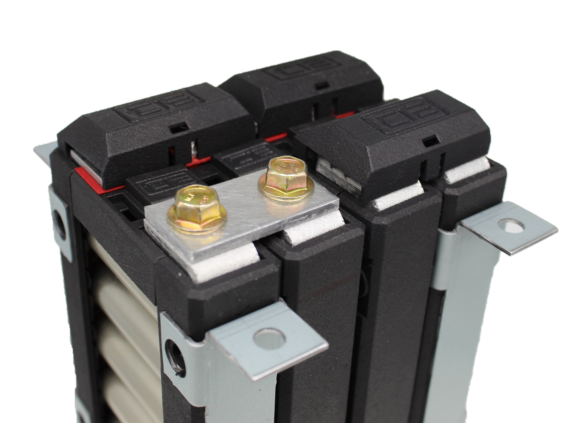 Lithium Block 2P Busbar on a battery