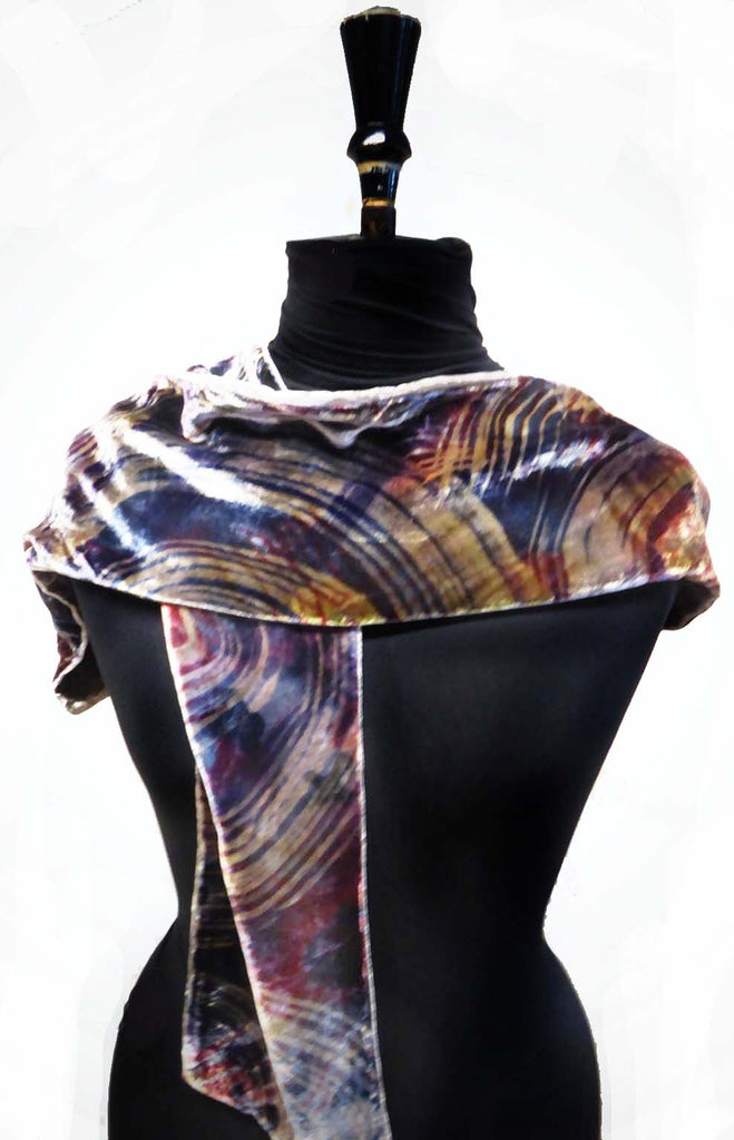 Velvet feather scarf - silver lilac pinks