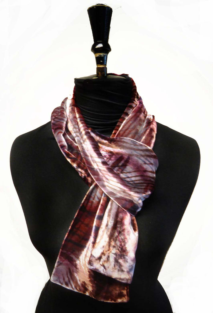 Velvet feather scarf - silver chocolate