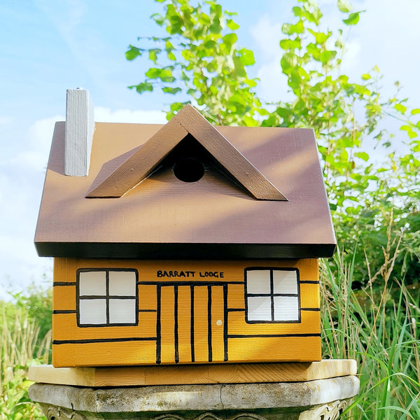 Personalised Log Cabin Bird Box - Lindleywood