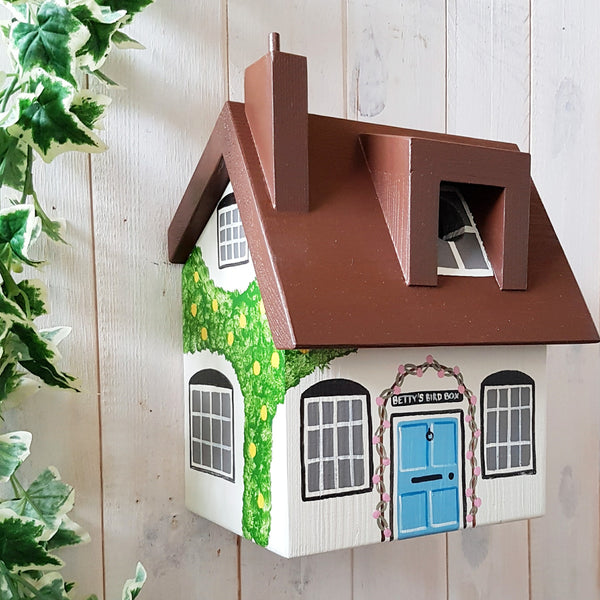 Personalised Cottage Bird Box - Lindleywood