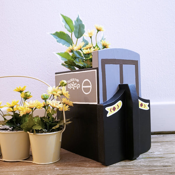 Personalised Narrowboat Canal Boat Plant Holder - Lindleywood