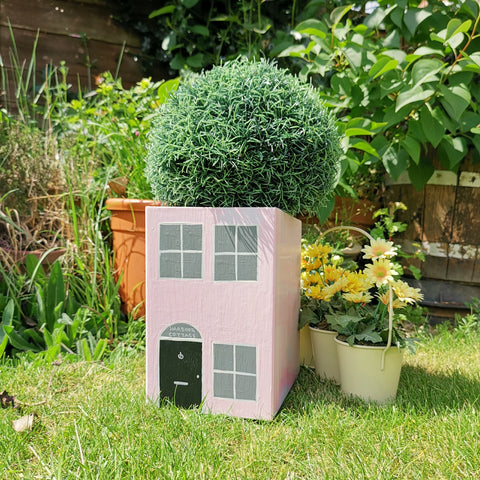 Personalised Seaside Cottage Plant Holder - Lindleywood