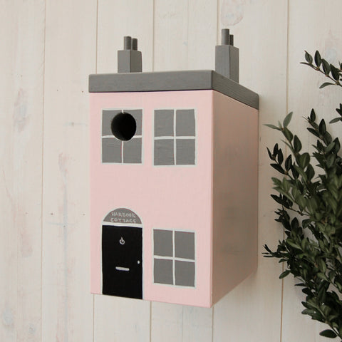 Personalised Seaside Cottage Bird Box - Lindleywood