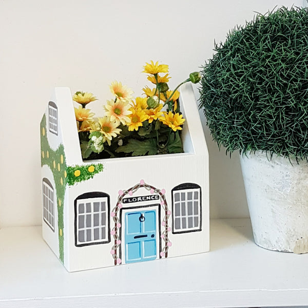 Personalised Cottage Mini Planter - Lindleywood