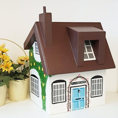 Personalised Cottage Keepsake Box - Lindleywood