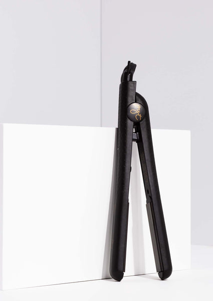 Ceramic hair straightener - Black