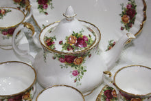 Royal Albert - Old Country Roses - Tea Set