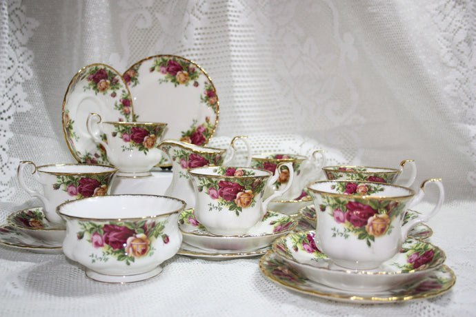 Royal Albert - Old Country Roses - Tea Set 1st Quality