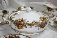 Royal Albert - Old Country Roses - Dinner Set