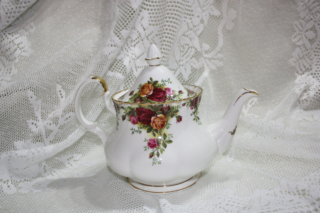 Royal Albert - Old Country Roses - Large Tea Pot