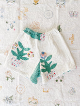 "Antique Quilt Shorts 02 | 26""-32"""