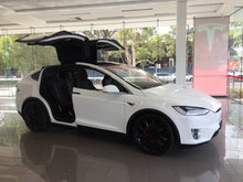 Tesla Model X 90D for School Formal