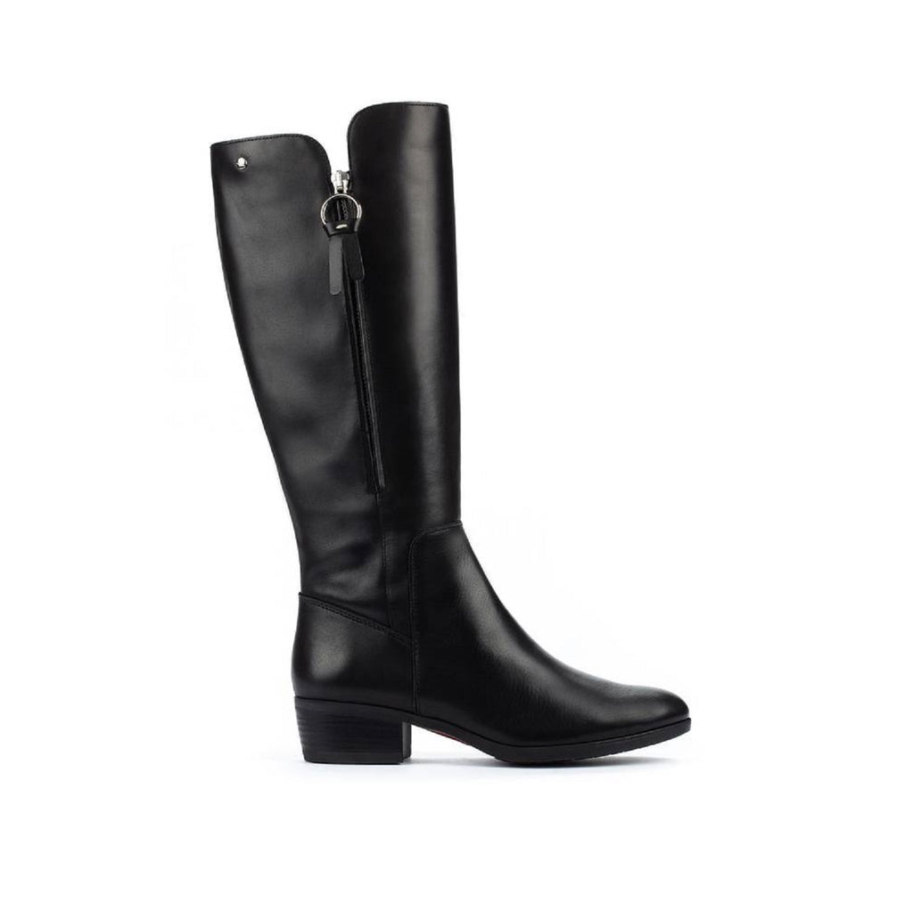 Tall leather boot in black.