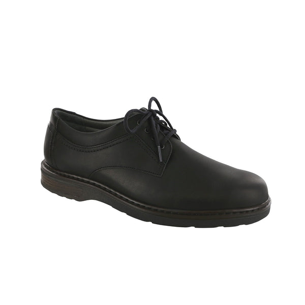 Black men's oxford.