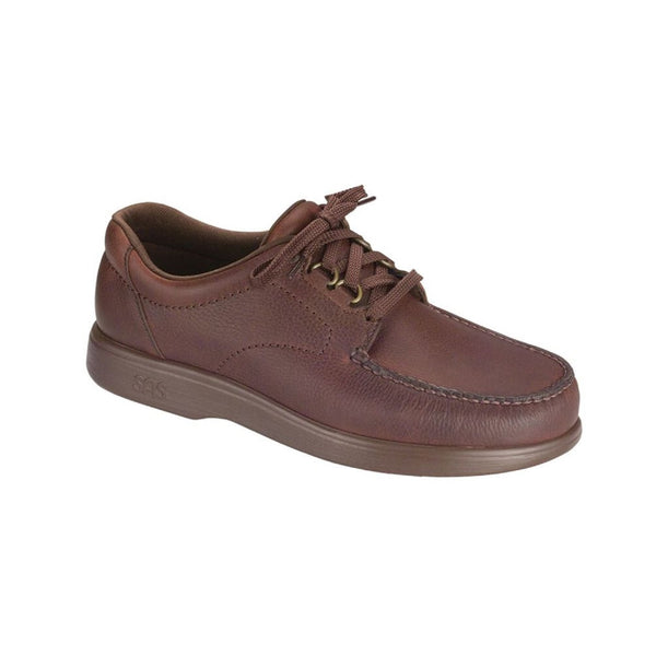 Men's leather lace up shoe.