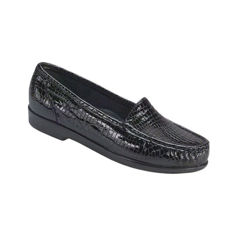 Moccasin style loafer in black croc.