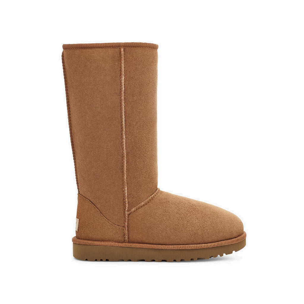 Classic tall Ugg boot in chestnut.