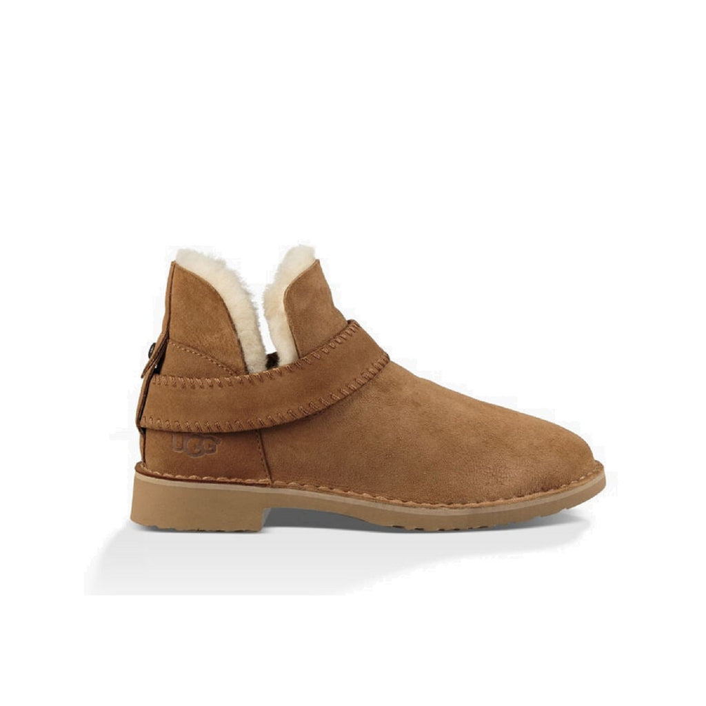 Ugg ankle boot in chestnut.