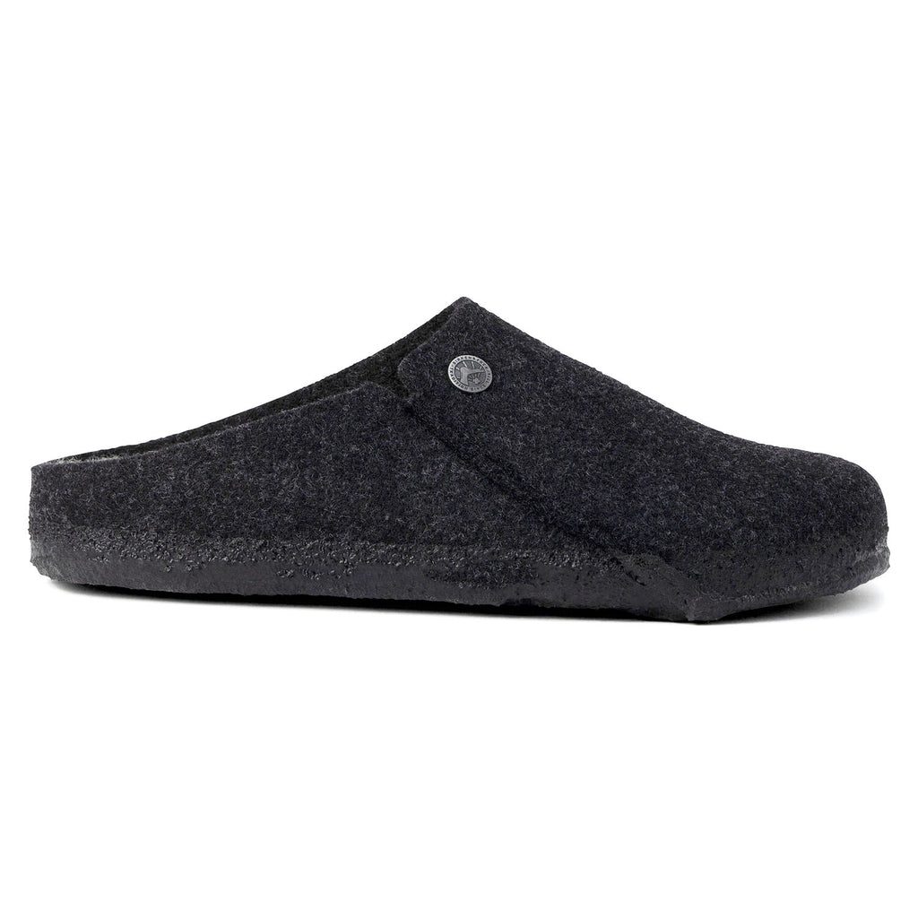 Closed toe slipper in dark grey.