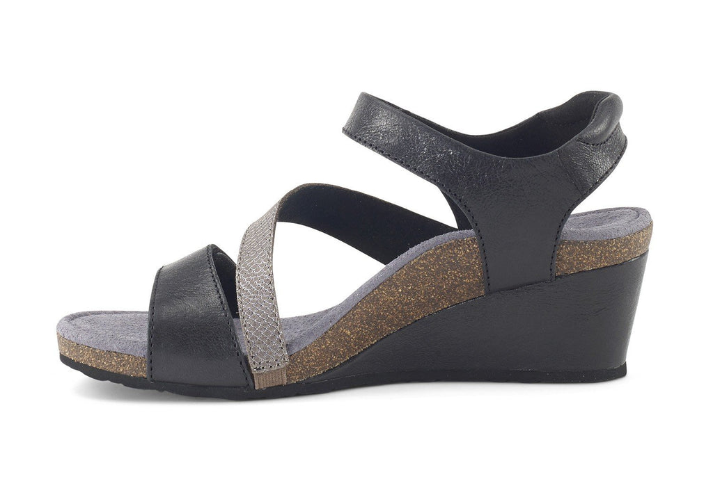 Aetrex Brynn Quarter Strap Wedge (Black)
