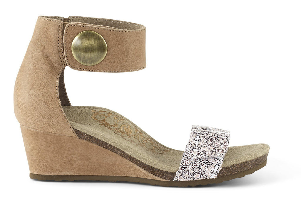 Aetrex Becca Quarter Strap Wedge Sandal (Taupe)